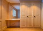 Gästezimmer mit Wandschrank